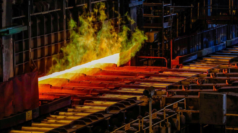 Foto de archivo de una producción de acero en una fundición. (Reuters)