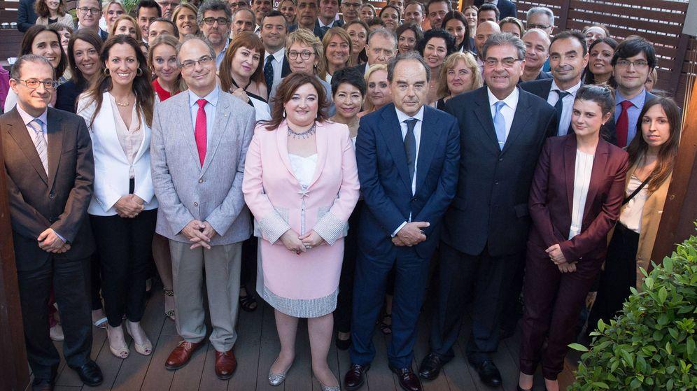 Foto: Foto de familia de todos los candidatos a las elecciones del Ilustre Colegio de Abogados de Barcelona. (ICAB)