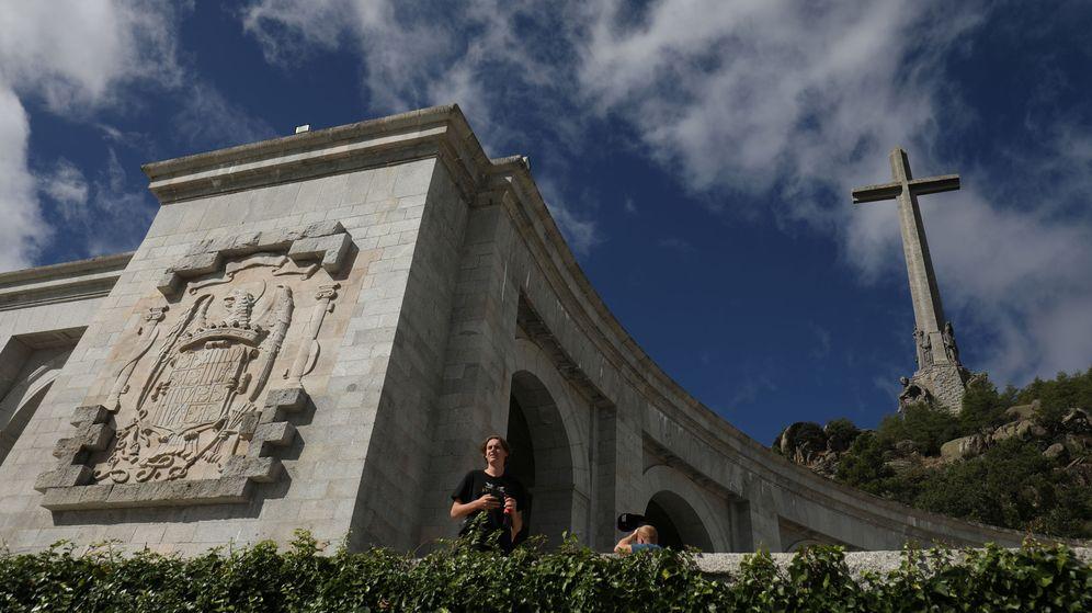 Foto: Turistas, visitando el Valle de los Caídos. (Reuters)