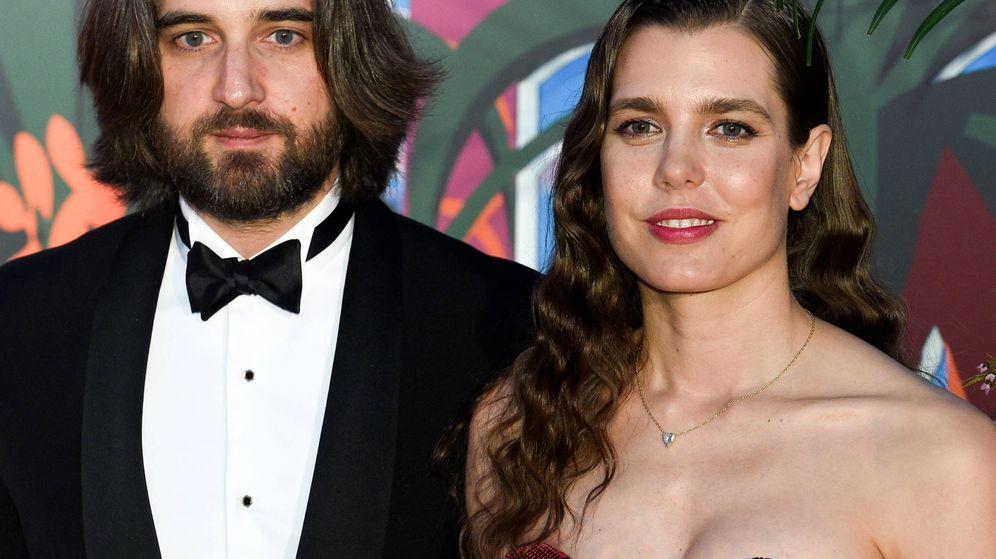 Foto: Carlota Casiraghi y Dimitri Rassam en el Baile de la Rosa de 2019. (Getty)