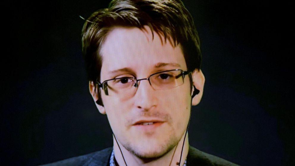 Edward Snowden se hace Twitter y se arriesga a entrar en el radar de EEUU