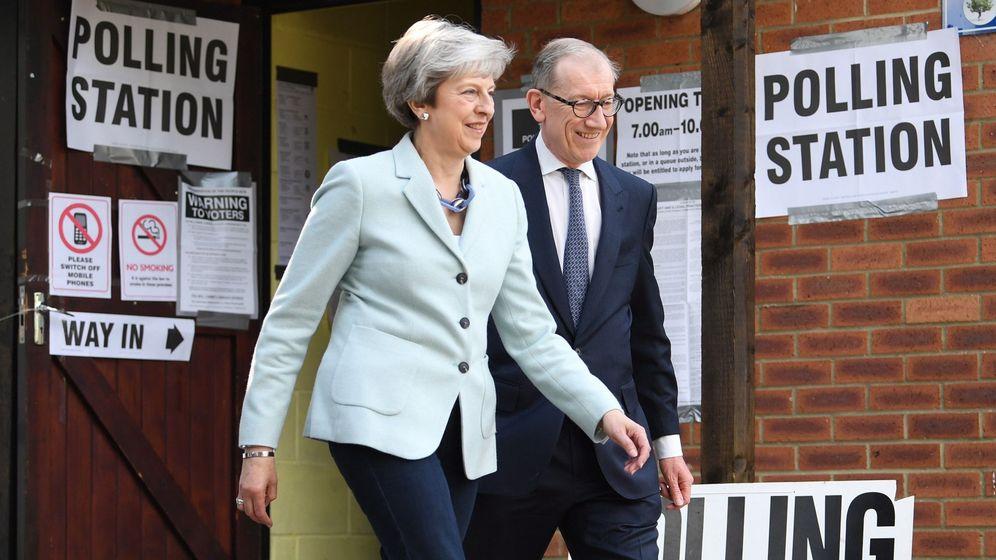 Foto: La primera ministra, Theresa May, y su marido Philip. (EFE)