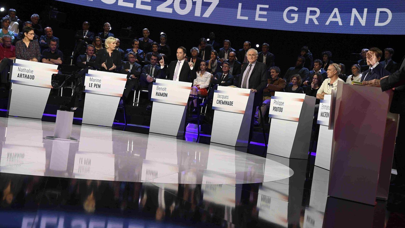 Foto: Los candidatos presidenciales participan en el debate. (Reuters)