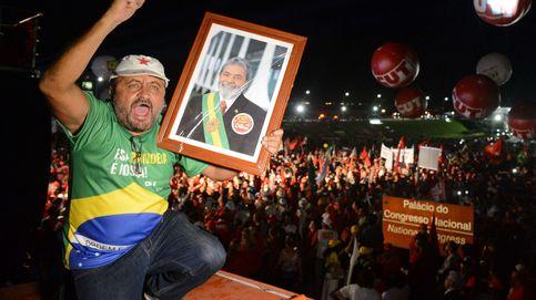 Miles de personas salen a la calle para apoyar a Dilma Rousseff y denuncian un Golpe de Estado