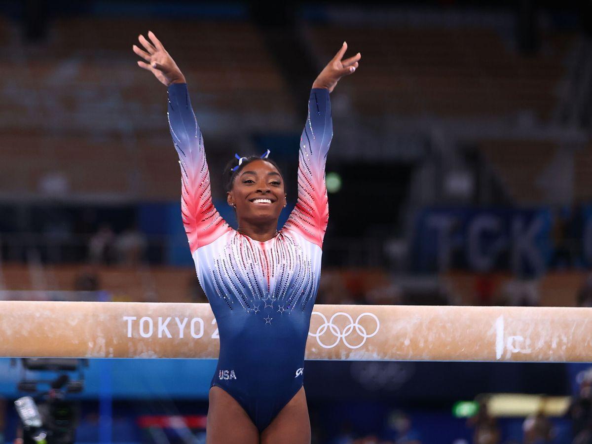 Foto: Simone Biles, durante la final de barra de equilibrio. (Reuters)