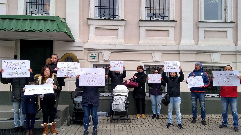 Repatriadas desde Ucrania siete familias con bebés nacidos por gestación subrogada