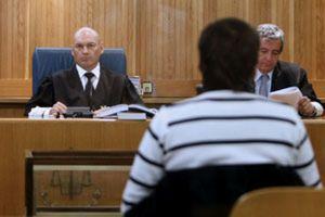 Denuncian al juez Bermúdez por expulsar de un juicio a una letrada con velo