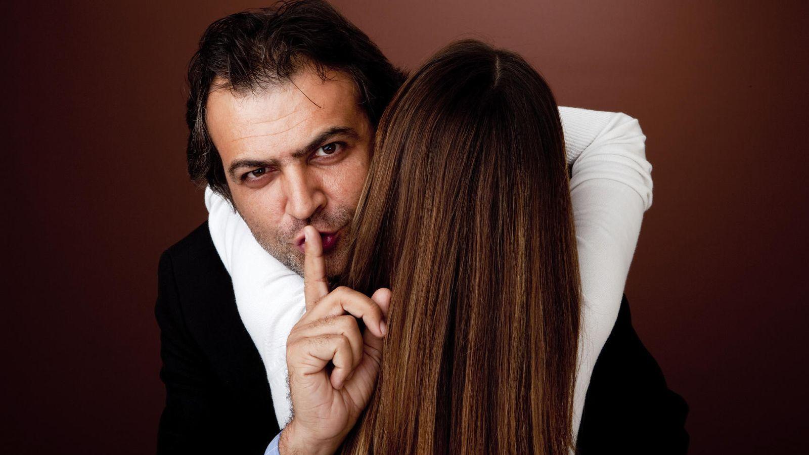 como descubrir una infidelidad de un hombre latina
