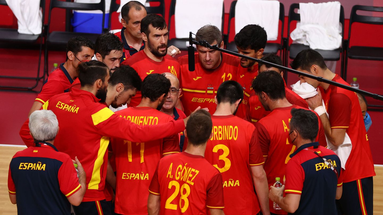 Jordi Ribera da instrucciones a los suyos. (Reuters)