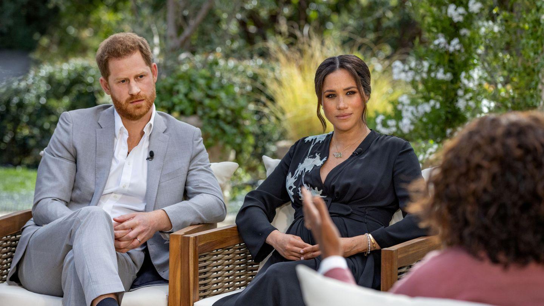 Meghan y Harry, en la entrevista con Oprah Winfrey. (Reuters)