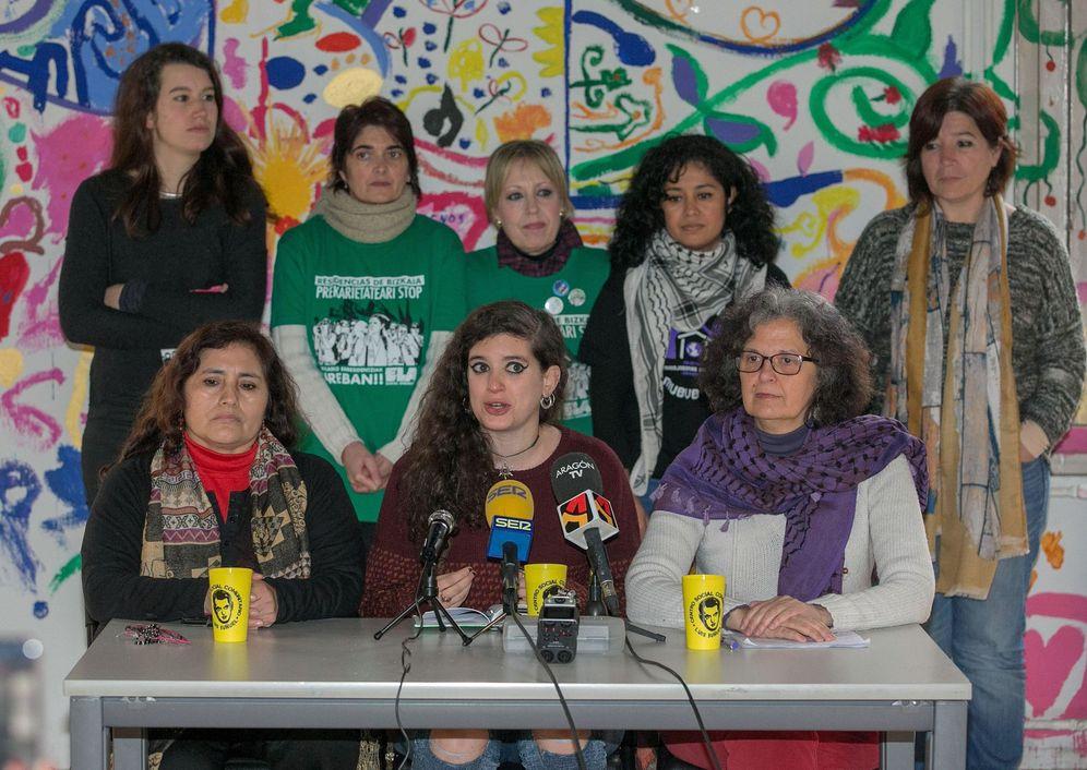 Foto: Las portavoces de la coordinadora de asociaciones de mujeres que prepararon la huelga del 8 de marzo. (EFE)