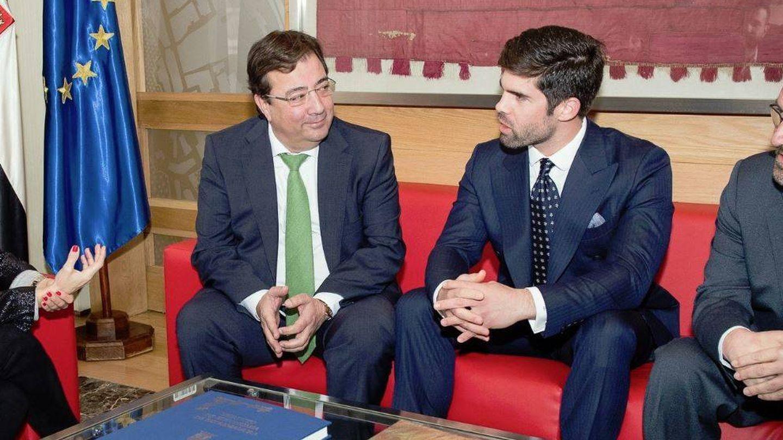 Guillermo Fernández-Vara, presidente de la Junta de Extremadura, junto a Fernando Palazuelo. (@GFVara)