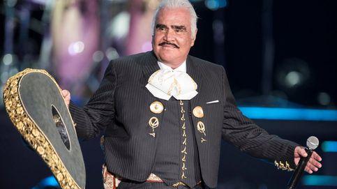 El cantante Vicente Fernández, hospitalizado de emergencia en México
