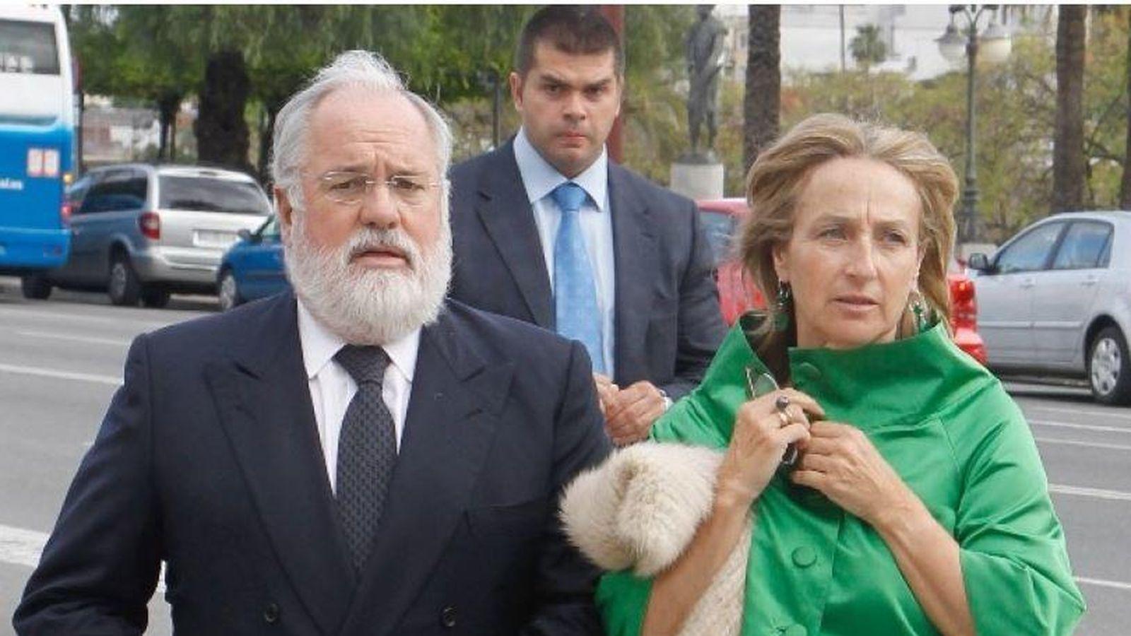 Foto: Arias Cañete con su mujer Micaela Domecq (Efe