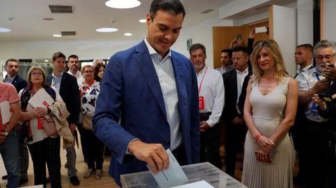 El PSOE gana municipales y autonómicas, recupera Madrid y Carmena repite