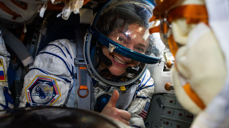 Qué le pasa a una astronauta cuando toma la píldora en el espacio