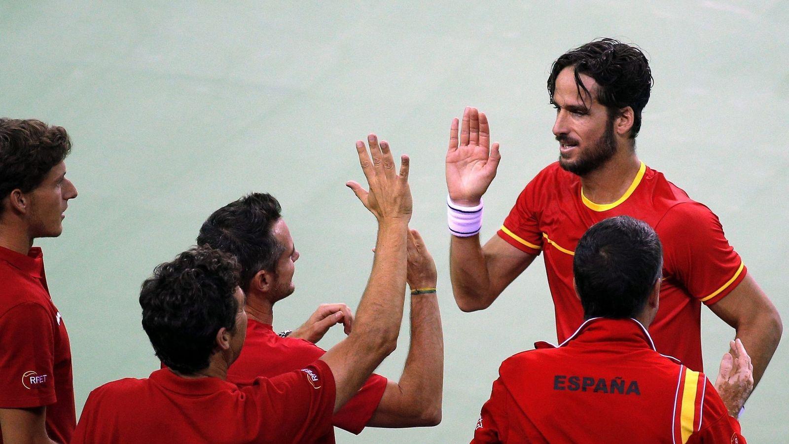 Foto: Feliciano López celebra la victoria junto a sus compañeros. Foto: Robert Ghement (EFE)