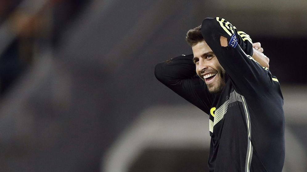 Foto: Gerard Piqué en un partido con la selección española. (EFE)