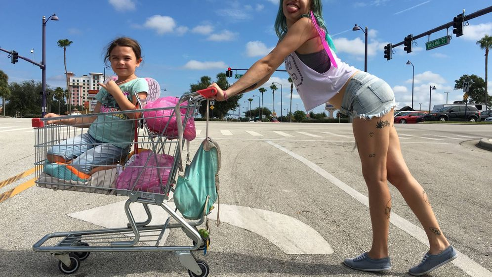 Foto: Brooklynn Prine y Bria Vinaite protagonizan 'The Florida Project'. (Diamond)