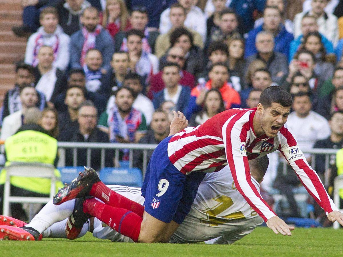 Foto: Casemiro derribó a Morata dentro del área del Real Madrid. (Miguel J. Berrocal)