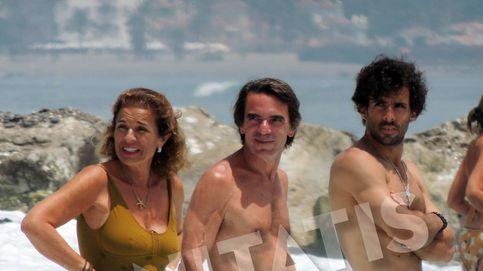 La familia Aznar Botella exhibe cuerpazo en la playa (superabdominales incluidos)