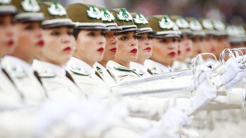Desfilan en honor a las glorias del ejército chileno