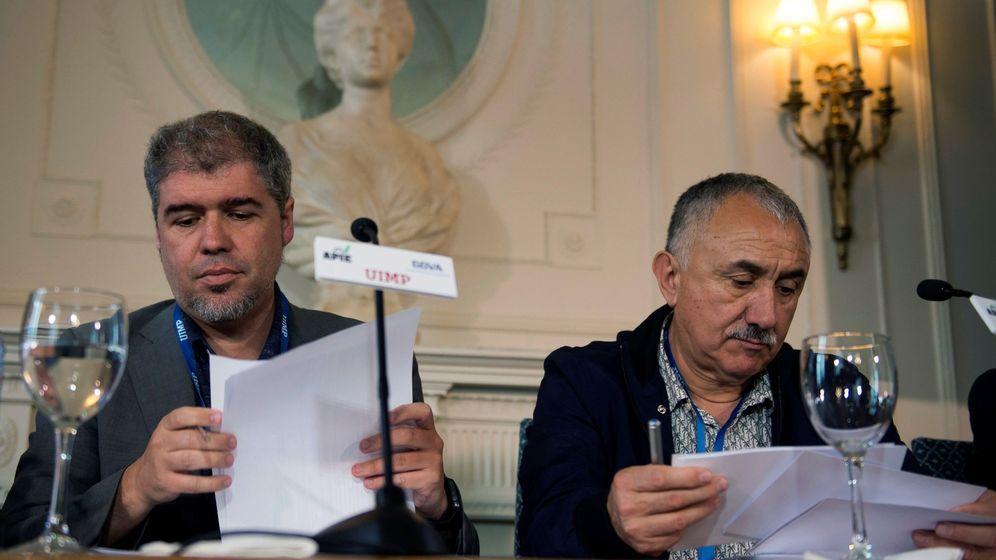 Foto: Los secretarios generales de CCOO, Unai Sordo, y UGT, Pepe Álvarez. (EFE)