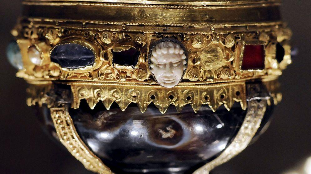 Foto: El cáliz de Doña Urraca que se encuentra en el museo de San Isidoro de León. (Efe/J.Casares)