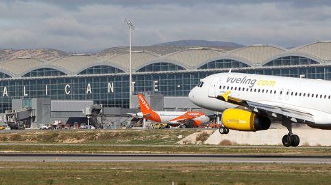 El incendio del aeropuerto de Alicante-Elche obliga a cancelar vuelos