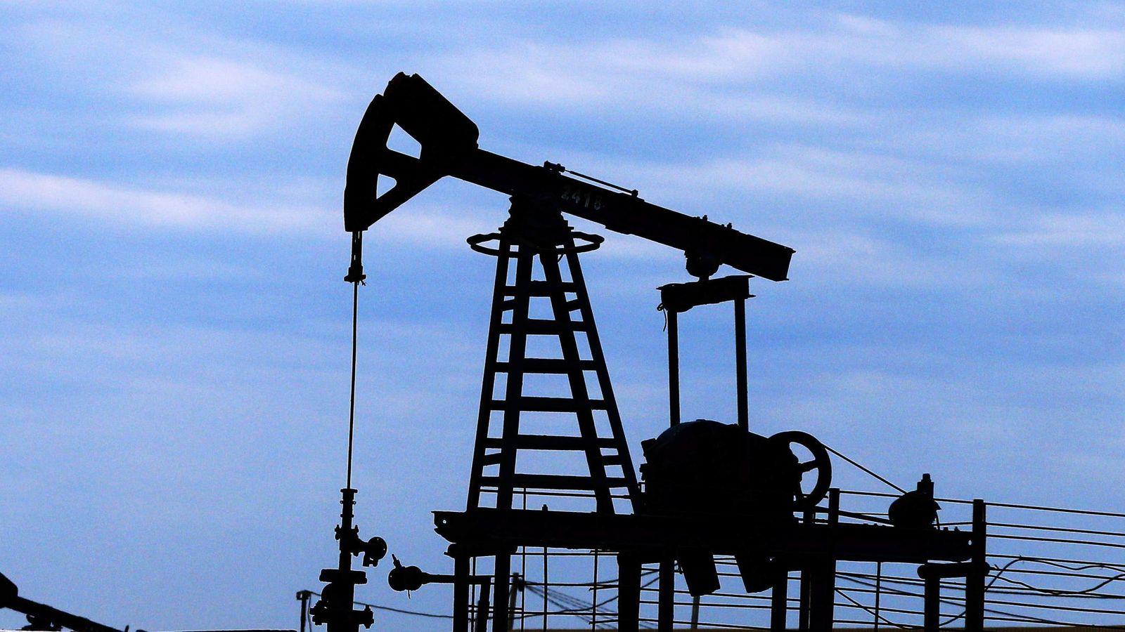 Foto: Imagen de una planta extractora de petróleo. (Reuters)
