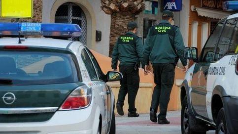 La Guardia Civil retirará el arma a los agentes sospechosos de violencia de género