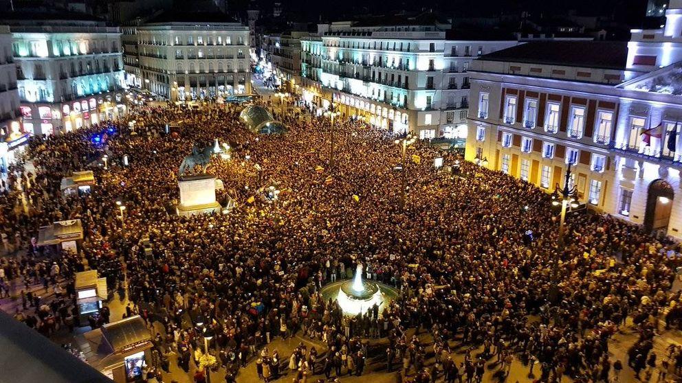 Venezolanos en España llenan la Puerta del Sol para echar a Maduro del Gobierno