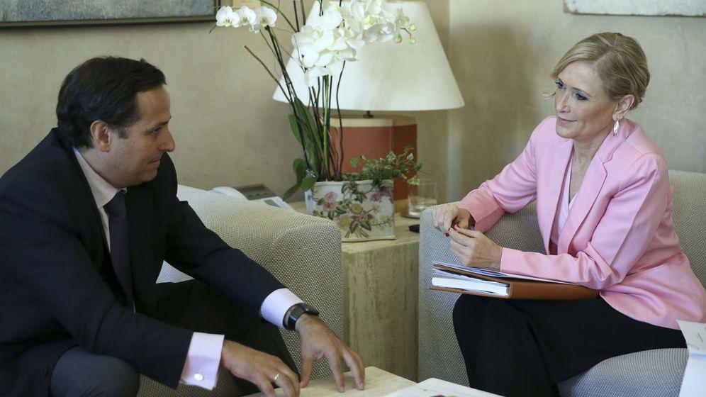 Foto: El presidente de CEIM, Juan Pablo Lázaro, y la presidente de la Comunidad, Cristina Cifuentes.