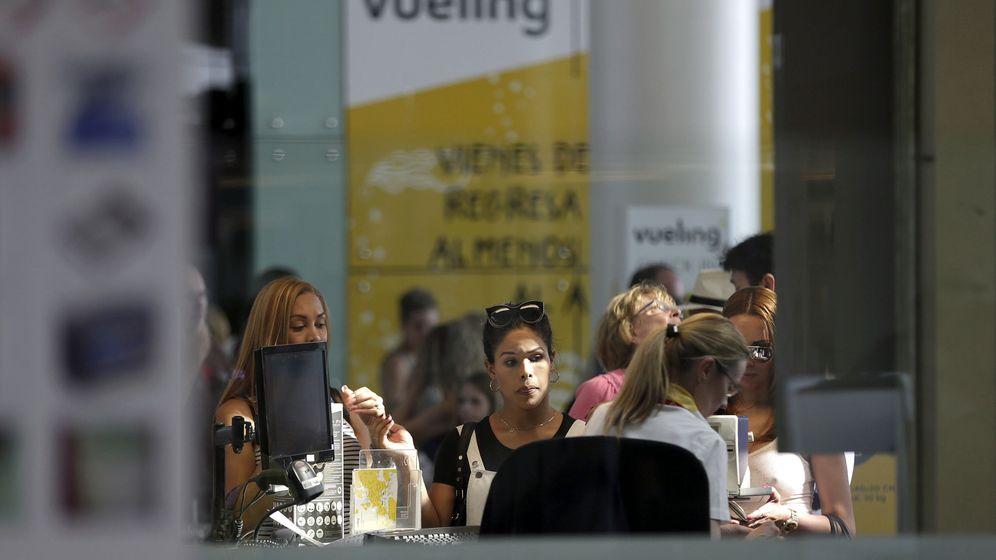 Foto: Cancelaciones y retrasos en Vueling (EFE)