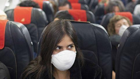 ¿Es seguro viajar en avión? Simón pide dejar un asiento vacío entre pasajeros