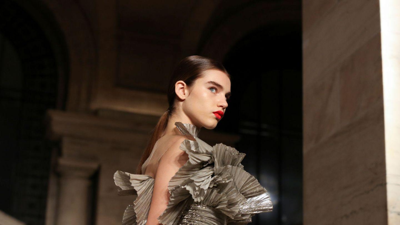 Una modelo en el desfile de Oscar de la Renta. (Reuters)