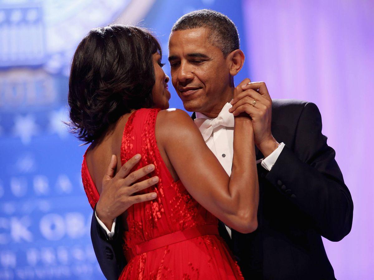 Foto: Michelle y Barack Obama bailan en una imagen de archivo. (Getty)