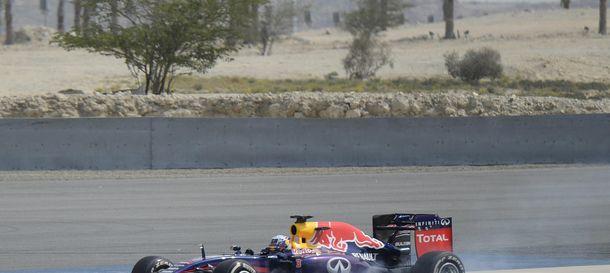 Foto: Daniel Ricciardo a bordo de su RB10 en Sakhir.