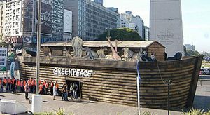 Greenpeace reconstruye el Arca de Noé para alertar acerca del cambio climático