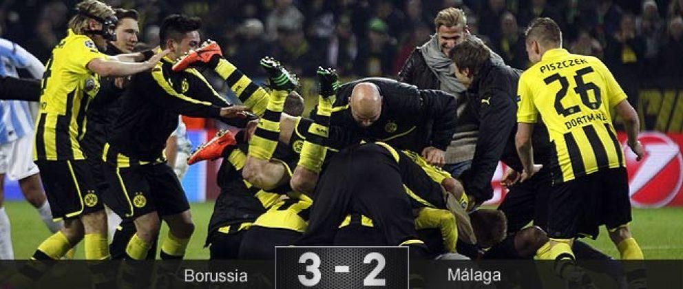 Foto: El Borussia y el árbitro arrancan al Málaga del sueño europeo en un final trágico