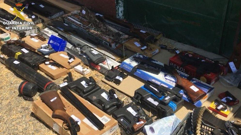 Foto: Parte del arsenal incautado en la operación que se inició en 2016. (EFE)