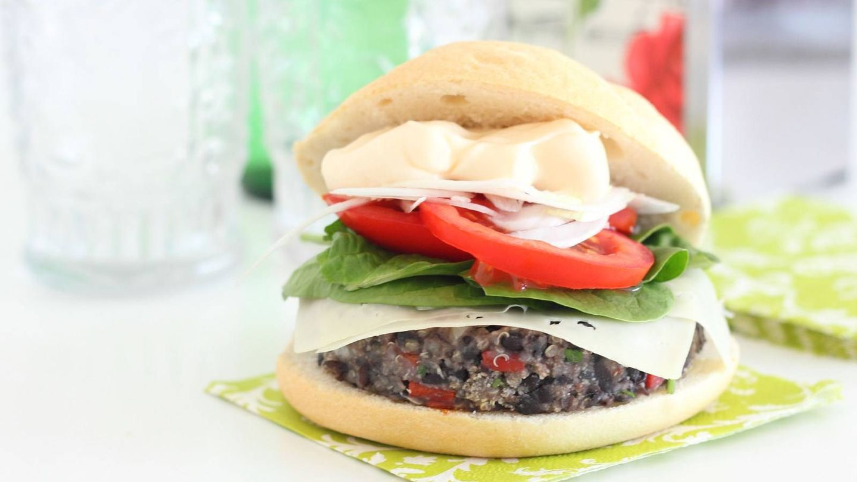 Una hamburguesa vegetariana  (Mer Bonilla)