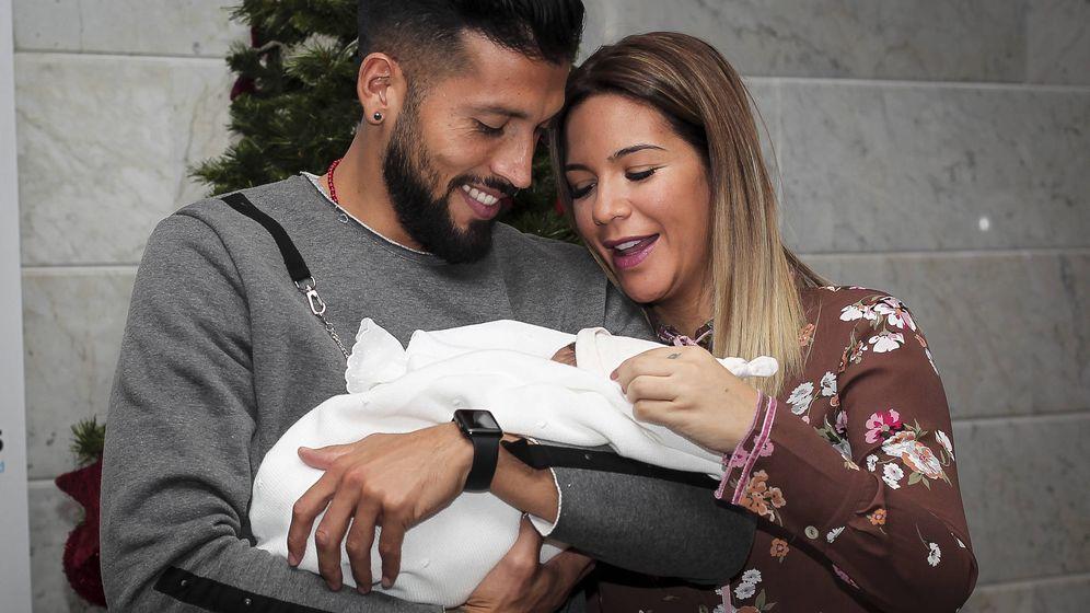Noticias de Famosos: Tamara Gorro cumple lo prometido y presenta a su hijo Antonio en sociedad