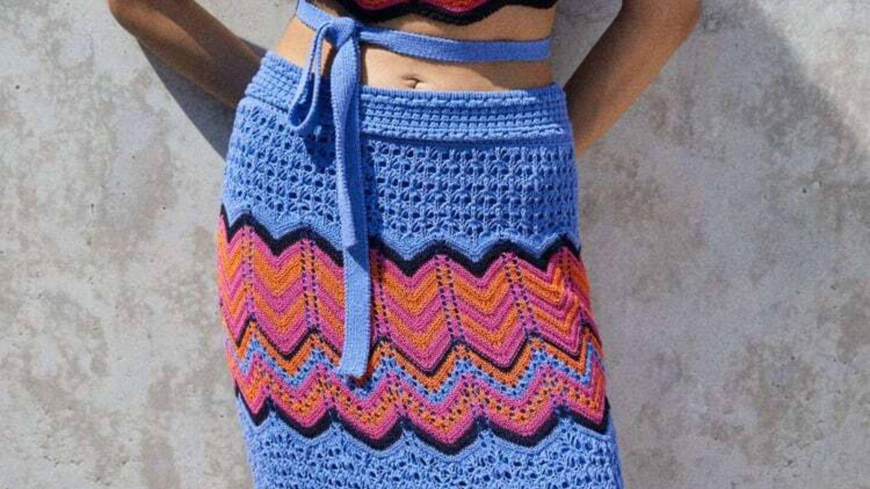 Vivimos enamoradas de la falda de crochet de edición limitada de Zara