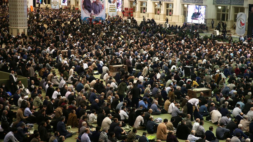 Foto: Ceremonia de conmemoración por los 40 días desde la muerte de Qasem Soleimani (Reuters)