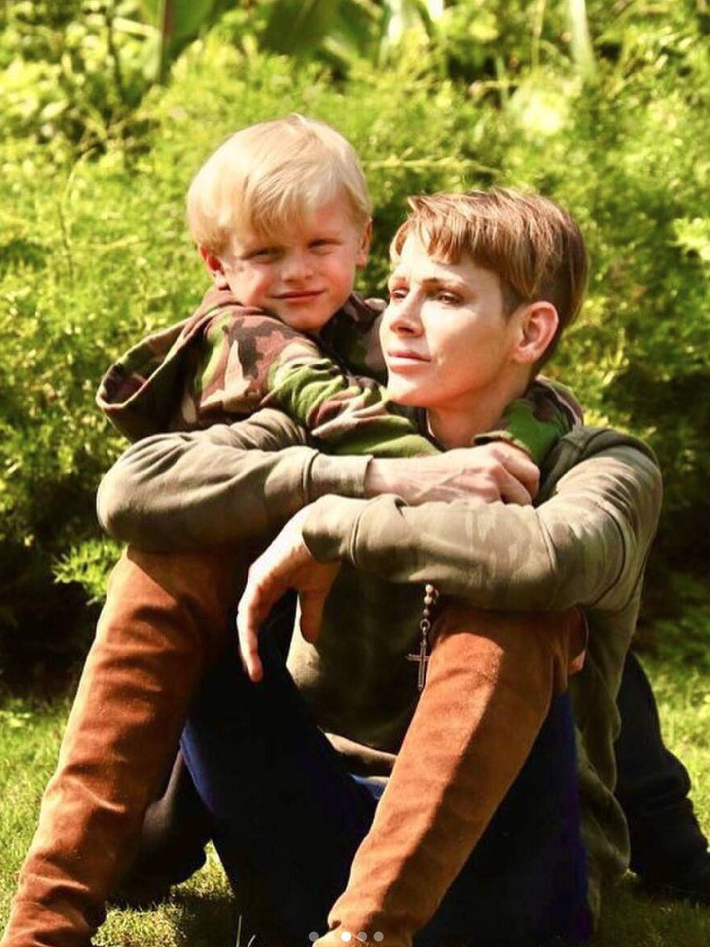 Charlène, con su hijo Jacques en Sudáfrica. (Instagram)