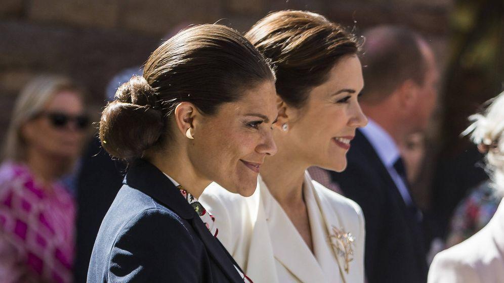 Foto: Mary Donaldson y Victoria de Suecia en una imagen de archivo. (Getty)