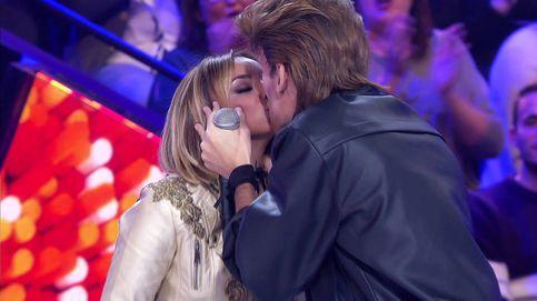 'Tu cara me suena': Chenoa se besa con dos concursantes