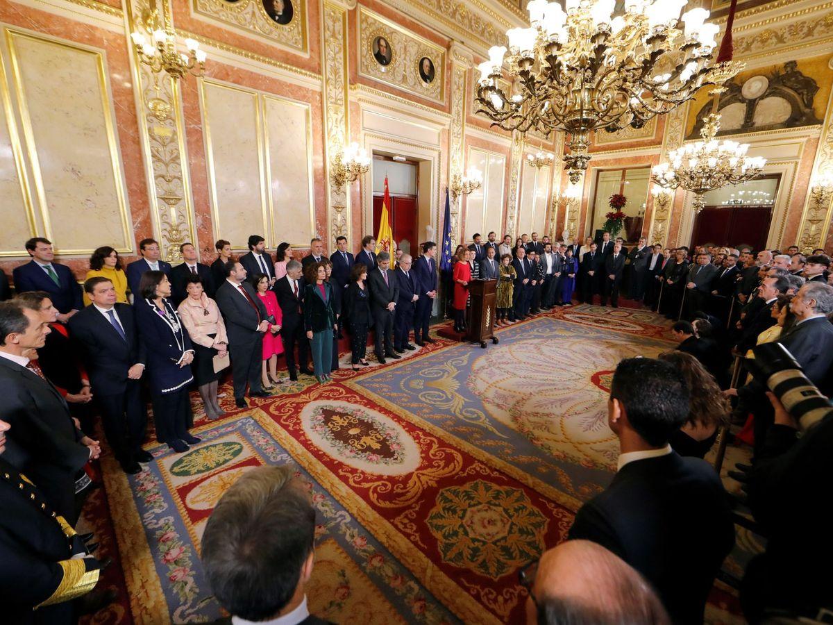 Foto: La presidenta del Congreso, Meritxell Batet, durante su intervención este 6 de diciembre en el Salón de Pasos Perdidos. (EFE)