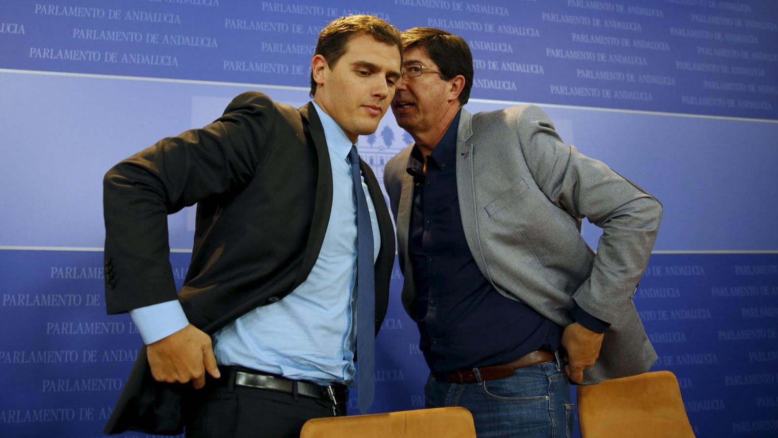Foto: Albert Rivera y Juan Marín, en el Parlamento de Andalucía.(Reuters)